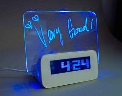 LED fascinant Mémo Conseil Réveil avec rétroéclairage et le concentrateur 4 ports USB (HSD1140C)