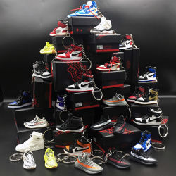 第2神戸かわいい力バンクをボックス卸売のゴムPVCヨルダンバスケットボールの少し新しい方法魅力のテニスPVC小型Crocs 3Dスニーカーの靴のキーホルダーKeychain乾燥しなさい
