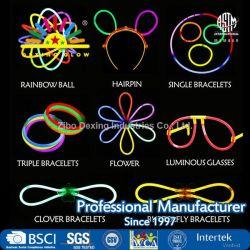 Glowstick, (600 pcs total) 250 bâtonnets lumineux 7 couleurs en vrac et les connecteurs pour Bracelets Colliers boules Funcorn lunettes et de plus, les jouets s'allument dans l'obscurité its