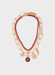 L'Europe et les États-Unis empilés Collier perles de couleur en alliage de nouveaux bijoux de mode