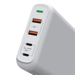 USBの充電器の速い料金Pd 3.0速く充満力のアダプター4ポートの携帯電話の充電器
