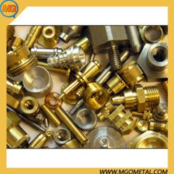 La Chine le fournisseur de haute qualité en laiton de petite commande Prototype pièce de rechange d'usinage CNC