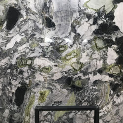 La glace d'emeraude vert jade de marbre de dalle de pierre naturelle