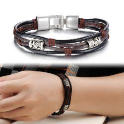 Os homens antigo bracelete de couro