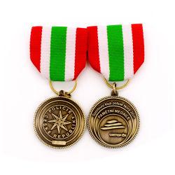 Échantillon gratuit Logo personnalisé petite quantité de gros drapeau canadien au Ghana Glitter chrétienne de Noël de l'épinglette soldat de l'Armée Award honneur insigne avec ruban court