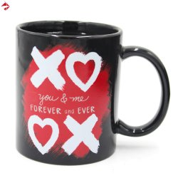 Estilo do coração e mudança de cor caneca de café/potável quente