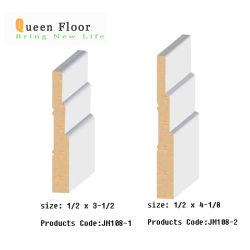 Baguettes de bois d'apprêt blanc longeant les revêtements de sol Accessoires apprêtés de moulures en couronne