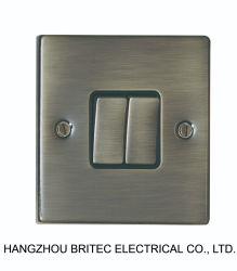 Interruttore di rivestimento 10A 2g della spazzola standard BRITANNICA/zoccolo elettrici inossidabili dell'attuatore