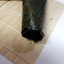 競争価格の緑によって焼かれる海藻50のシートのYaki寿司Nori