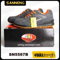 Los hombres de seguridad Calzado de deporte de ocio Zapatos de gamuza transpirable cuero ligero, con puntera+suela PU/PU+certificado CE bajo el talón del Calzado de trabajo de China (SN5567)