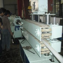 خط إنتاج الأنابيب في مصنع تصنيع مواد التغذية التلقائية من مادة PVC