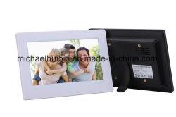 기계 (A7002)를 광고하는 7inch LCD WiFi 디지털 사진 프레임 통신망