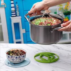 La silicone résistant à la chaleur en silicone antidérapant Hot Mat pour table à manger