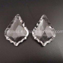 Gocce di cristallo del prisma della divinità di figura K9 della foglia di acero per le parti del lampadario a bracci