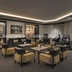 Bank van de Hal van het Hotel van Moden de Vijfsterrendie met Lijst wordt geplaatst