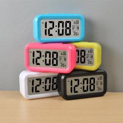Reloj analógico con sensor de luz inteligente y pantalla LCD digital Reloj digital alimentado por batería