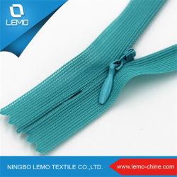 衣服の服のハンドバッグのための中国の製造業者のカスタムナイロン青く見えないジッパー