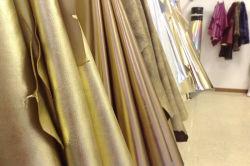 Lamina Di Trasferimento Termico Lamina Di Alluminio A Caldo Colore Oro Su Tessuto In Pelle Pu