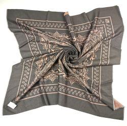120 سم*120 سم 100% من الحرير المحبوك بشذوات السيدات Sf19082-1
