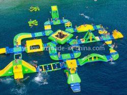 Giochi di galleggiamento gonfiabili esterni della sosta dell'acqua