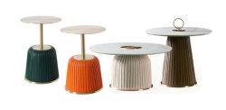 현대적인 디자인 둥근 상단 거울 측면 테이블 브라운/베이지/ 블루/블랙/화이트 가죽 커버 테이블 오렌지 색상 곡선형 가죽 테이블 유리 엔드 테이블
