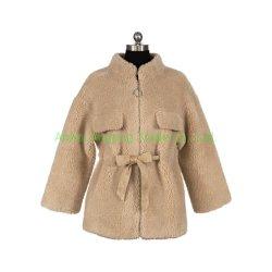 Mantel der Zoll-passenden cremefarbenen gemütlichen Frauen