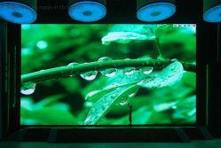 Píxel HD P2 en el interior de la pared de vídeo a color de la pantalla de Pantalla de LED SMD1515Chip negro