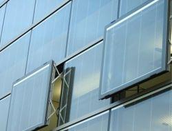 Il doppio Basso-e ha lustrato il blocco di vetro vuoto isolato per Windows