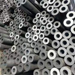 فحلفن الركود الساخن حول سلسلة من الأنابيب الفولاذية السميكة السميكة أنبوب من الصلب على الحائط