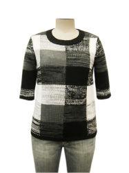 숙녀 대원 목 Intarsia 뜨개질을 하는 형식