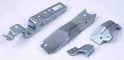 acier au carbone personnalisés/acier inoxydable/aluminium estampage en alliage de clip pour accessoires en métal