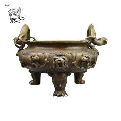 En el exterior del templo de decoración de Arte Moderno de trípode de bronce metal incensario Btum-02