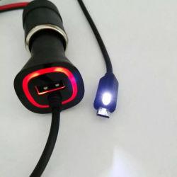 Touchez pour activer le chargeur de voiture de lumière à LED avec câble de 6 pieds
