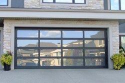 باب زجاجي شفاف ذو حجم مخصص مزود بسطح شفاف