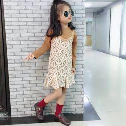 Der neue Herbst Condole nimmt langes Hülsen-Kleid, um unliniertes oberes Kleid zu setzen, um abzugleichen sticken Material Condole nimmt Fußleiste zwei. Kind-Abnützung. Mädchen-Kleidung