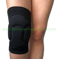 La protezione di sport ispessisce la spugna che riempie la protezione elastica respirabile del ginocchio di sostegno della parentesi graffa di ginocchia dei rilievi di ginocchio per pallavolo, il gioco del calcio, arrampicandosi, ciclare, Biking