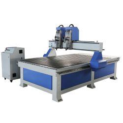 給油システムデスクトップCNCの木工業機械装置はルーターの販売のために1325年を使用した