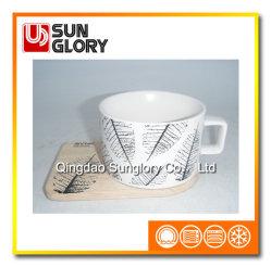 De steen Verglaasde Kop van de Koffie met Houten Onderlegger voor glazen van Bd019