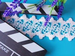 Neues wasserlösliches Spitze-Bekleidungszubehör mit gestickten gestreiften Blumen