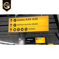 Perfil de alumínio no exterior a solar e a Estação Ferroviária do Aeroporto de rolagem para pontos de sinais de guia-0411