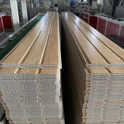 La impresión de Hot Stamping Panel del techo de PVC color madera laminado UV de mármol de la pared de plata de la hoja de panel de pared cromo blanco puro Brilliante PVC Lambri dorado brillante