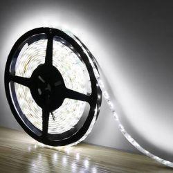 LEDの滑走路端燈は白3528/5050 SMDのホーム装飾12V 6Aイギリスのプラグを暖める
