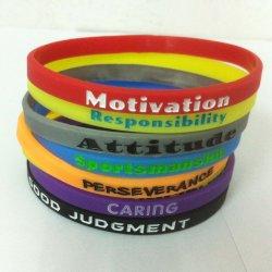 Um estilo mais recente Pulseira Multi-Color Personalizado Rainbow bracelete de Silicone Silicone Moda Pulseiras