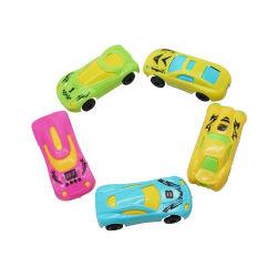 La plastica popolare che fa scorrere la vettura da corsa gioca i mini giocattoli poco costosi per i capretti