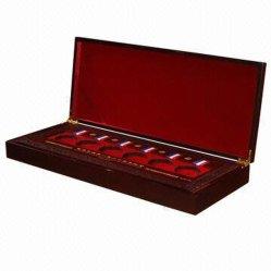 Caixa de indicador de madeira dos emblemas honoráveis com inserção vermelha (DB-040)
