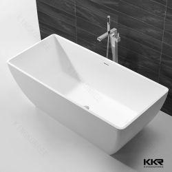 白い長方形の人工的な大理石の石造りのホテルの浴槽(190711)