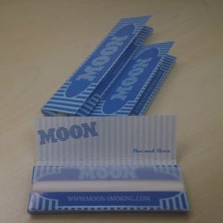 Sigaret van Document 1.0 van de maan de Blauwe Langzame Brandende Rolling