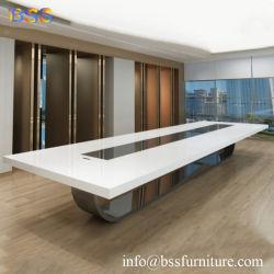 Mesa de juntas de mobiliario del hotel con la regleta de alimentación el lujo moderno Smart Blanco alto brillo Corian imitación de piedra de cuarzo encimera de mármol mesa de juntas de Hotel