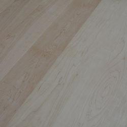 Канадского клена и гладкий деревянный пол для спальни