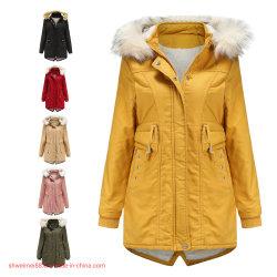 As mulheres à prova do tempo quente Casaco Puffer casaco de Inverno Fashion Piscina Senhoras casaco quente com peles destacável para baixo do capô casacos